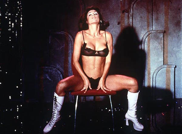 Topless Moments for Classy Hot Actresses, demi moore nude in striptease