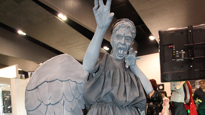 A weeping angel cosplayer at Oz Comic Con Melbourne / Photo: Nikki Williams