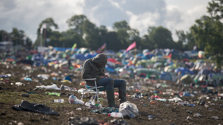 Angry Man Films Mess Left By Glastonbury 2016 Attendees