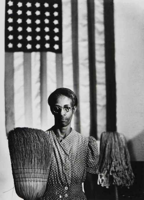 Gordon Parks, American Gothic, Washington, DC, 1942, printed later. Gelatin silver print. Harvard Art Museums/Fogg Museum, Transfer from the Carpenter Center for the Visual Arts, Beinecke Fund, 2.2002.1000. © Gordon Parks Foundation. Photo: Harvard Art Museums, © President and Fellows of Harvard College.