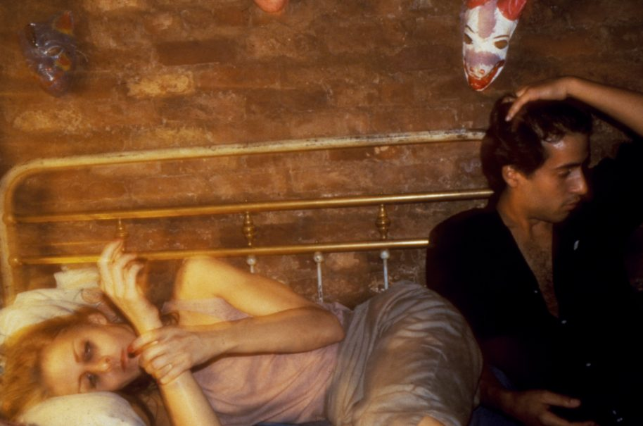 Nan Goldin, Greer and Robert on the bed, New York, 1982, cibachrome, 71.8 x 104 cm, Courtesy Matthew Marks Gallery, New York © 2016 Nan Goldin