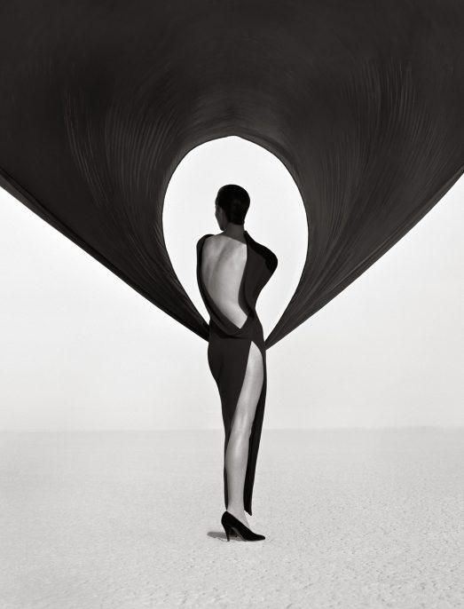 ©Herb Ritts, Versace Back View, El Mirage, 1990.