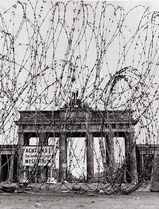 "(Door/Gate) Image #3 ""Brandenburg gate with barbed wire"""