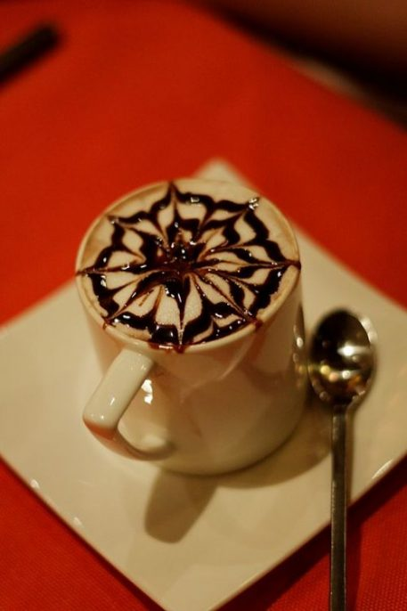 Hot chocolate at Zest Restaurant by Dennis Wong, courtesy of Wikimedia Commons.