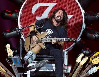12 Times Dave Grohl Proved He's The Coolest Rocker Of All-Time