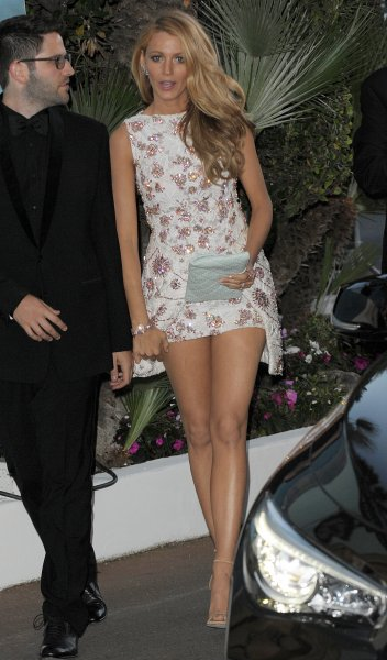 Blake Lively arriving at the Martinez Hotel