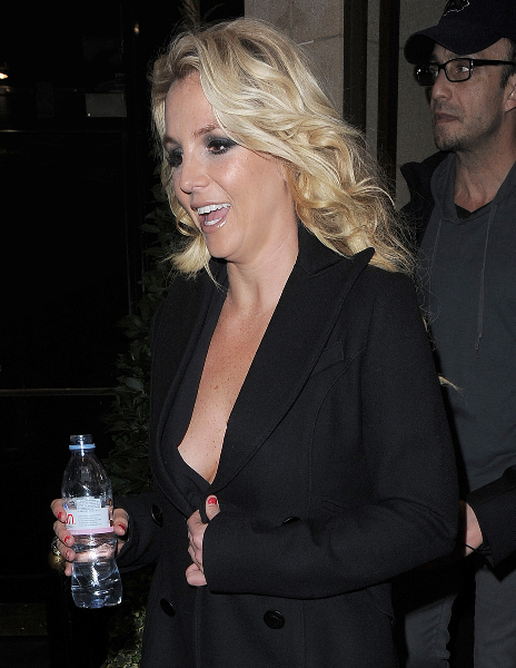 Britney Spears leaving her hotel, to film a TV show