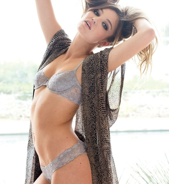 Lili Simmons Pictures Videos Bio And More