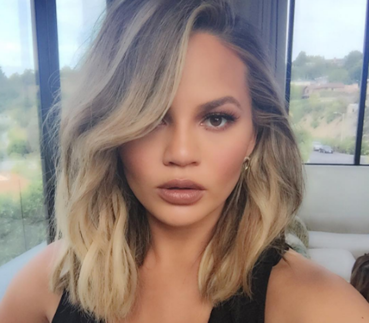 Chrissy Teigen Posed Nude To Wish Her Friend A Happy Birthday Because Friends Are -5589
