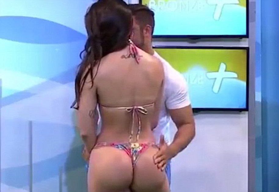 Bikini Model Slaps Presenter On Live Tv-9997