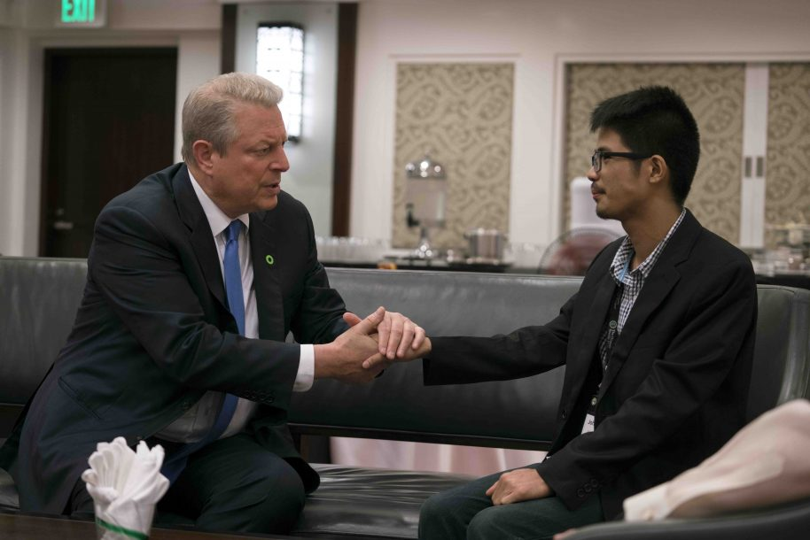Al Gore with John Leonard Chan, Climate Leadership Trainee in the Philippines and survivor of the Typhoon Haiyan in An Inconvenient Sequel: Truth to Power from PARAMOUNT PICTURES and PARTICIPANT MEDIA.