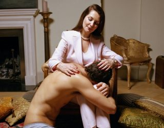 Cougar Town: How to Successfully Date a Much Older Woman