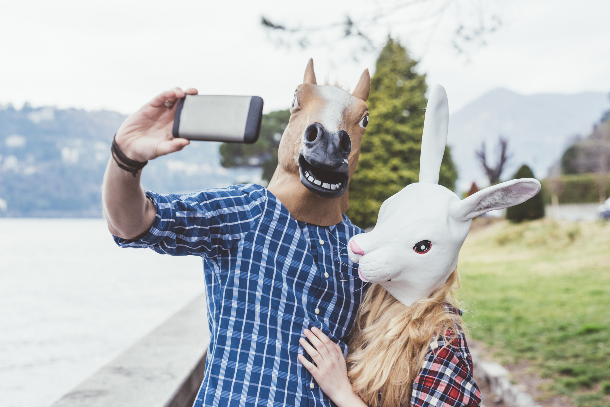 Take A Couples Photo For Social Media